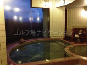 women_bath_9