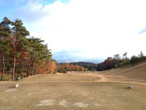 箕面ゴルフ倶楽部_アウトコース_5番ティグランドからの眺め