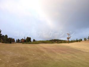 箕面ゴルフ倶楽部_アウトコース_7番ホール-虹が見えました