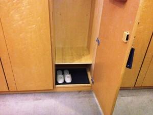 locker_room_5