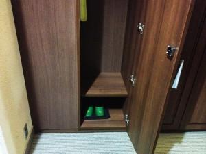 locker_room_4