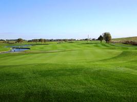バーベキューなどレジャー要素を加えたゴルフ場の導入-PGMホールディングス 越谷ゴルフ倶楽部
