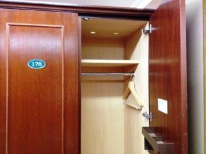 locker_room_4