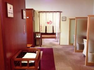 locker_room_7