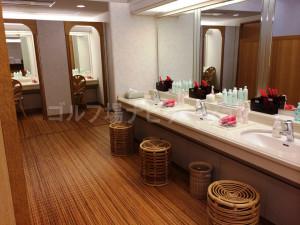 tojo_pine_girls_bath_room_3