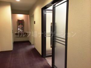 tojo_pine_girls_locker_room_2