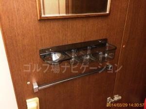 tojo_pine_girls_locker_room_6