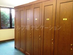 tojo_pine_locker_room_3
