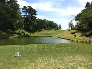 フロントティからの眺め。池と緑が美しい。