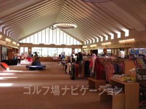 ショップで扱う商品が多く、場所を取ってるのに、余裕のある空間。
