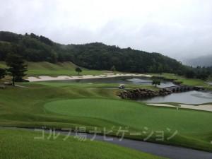 雨の「かさぎゴルフ倶楽部」(1)