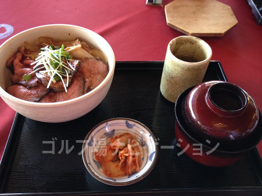 飛騨牛丼(ローストビーフ)。絶品です!
