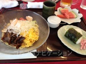 冷麺(胡麻ダレ)