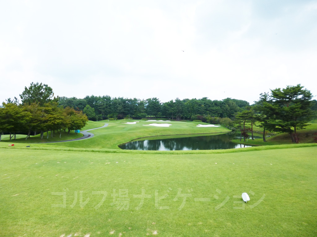 ABCゴルフ倶楽部 16番ショートホール、レギュラーティからの眺め