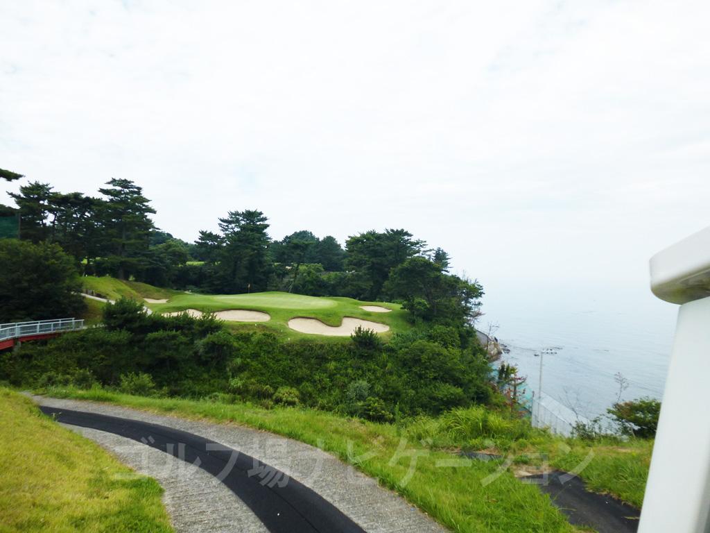 淡輪「大阪ゴルフクラブ」 谷と海