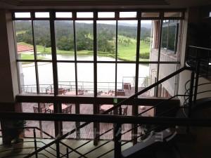 2階への階段からの眺め