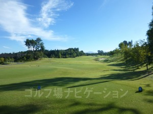 富士スタジアムゴルフ倶楽部 北コース INコース10番ミドルホール、バックティからの眺め