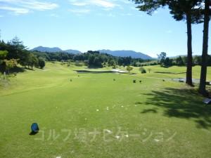 富士スタジアムゴルフ倶楽部 北コース INコース17番名物ショートホール、バックティからの眺め