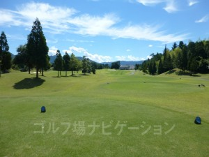 富士スタジアムゴルフ倶楽部 北コース OUTコース 2番ミドルホール、バックティからの眺め