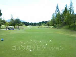 富士スタジアムゴルフ倶楽部 北コース OUTコース4番ショートホール、バックティからの眺め