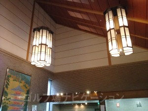 天井高もあり、立派なクラブハウス