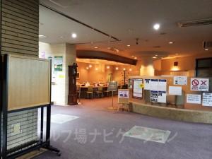 モーニングはフロントから1フロア降りたところにカフェがあるので、そちらで。