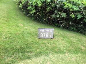 センチュリー三木ゴルフ倶楽部 INコース 11番ミドルホール レギュラーティからの距離は378ヤード