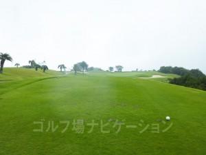 Kochi黒潮カントリークラブ 太平洋コース2番ホール、レギュラーティからの眺め