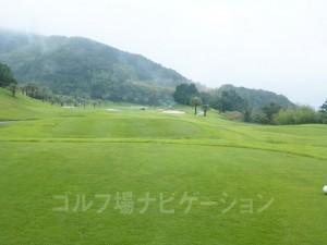 Kochi黒潮カントリークラブ 太平洋コース4番ホール、レギュラーティからの眺め