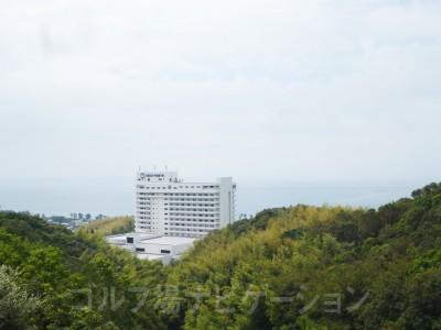 ティグランドから左手を見ると太平洋が広がっています。土佐ロイヤルホテルがやや邪魔(笑)