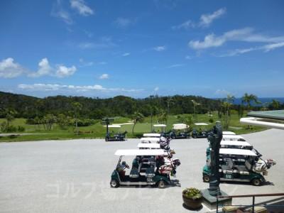 喜瀬カントリークラブ、クラブハウスからオーシャンコース方向の眺め