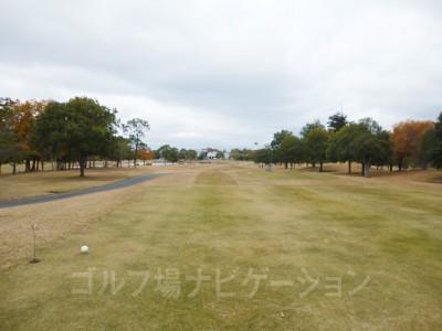 フェアウェイはワイドで、アップダウンも少ない兵庫のゴルフ場では少数派のゴルフ場。伸び伸び楽しめました^^