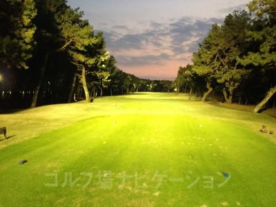 女性に人気という「ホシゾラ★ゴルフ」。夏場は気持ちいいでしょうが、11月はさすがに寒かった^^; ラウンドするならOUT→INで予約しないと美しさ半減します。