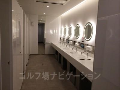 北用のトイレもありますが、共通エリアの方が広いです。