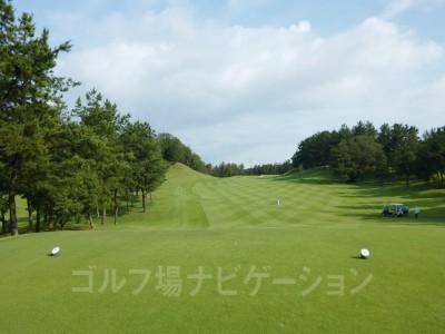 瀬田ゴルフコース北コース 1番ホール、フロントティからの眺め