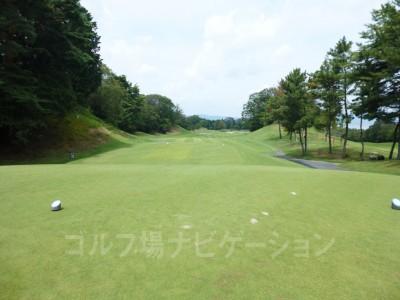 瀬田ゴルフコース北コース1番ホール レギュラーティからの眺め