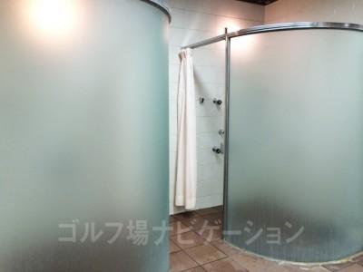 シャワールーム、なんかお洒落です。