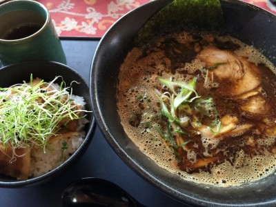 KOMA黒ラーメンBlack ミニ豚丼
