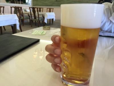 お昼はやっぱりビール