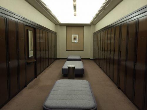 ロッカールーム小部屋