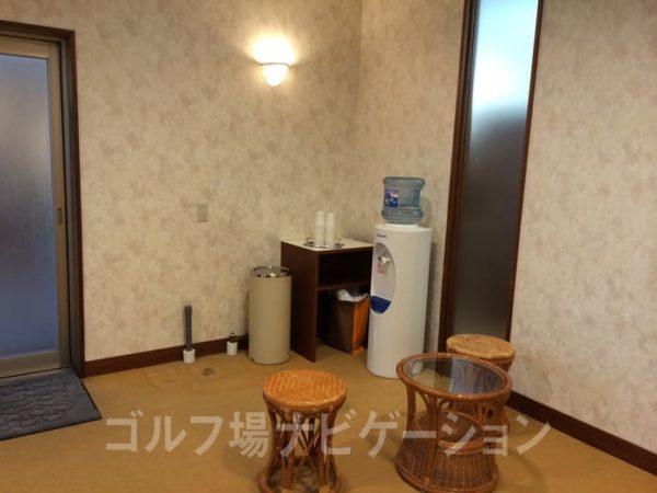京都 かさぎゴルフ倶楽部 女性バスルーム 脱衣所 ウォーターサーバー