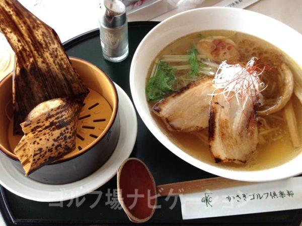 京都 かさぎゴルフ倶楽部 レストラン こだわり醤油ラーメン 炙りチャーシューのせ