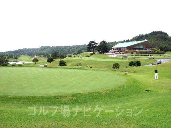 京都 かさぎゴルフ倶楽部 練習場 アプローチ練習グリーン