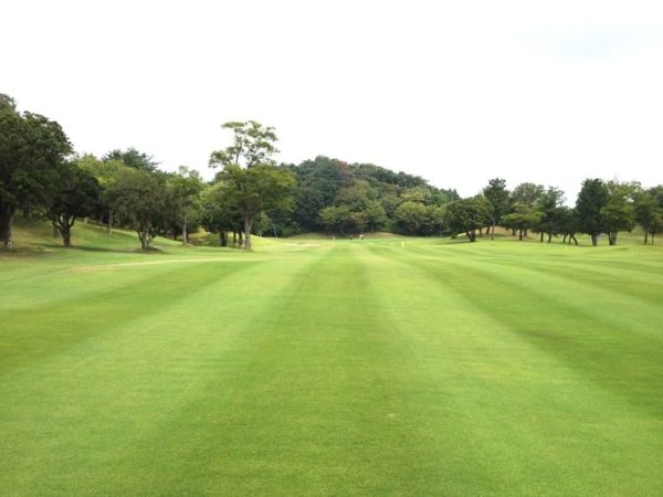霞ゴルフクラブ OUTコース 1番ホール