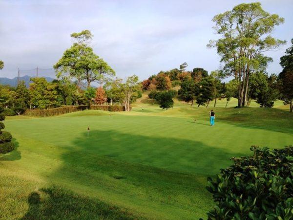 霞ゴルフクラブ 練習場 パター