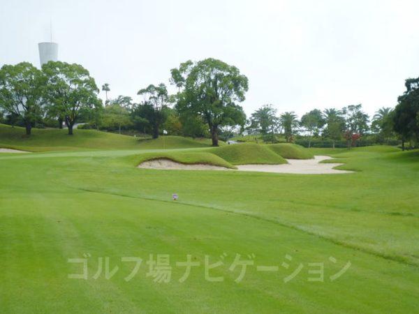Kochi黒潮カントリークラブ 暖流コース 9番ホール ロングホール ガードバンカー