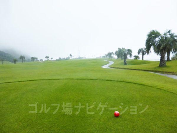 Kochi黒潮カントリークラブ 太平洋コース 1番ホール ロングホール レディースティ