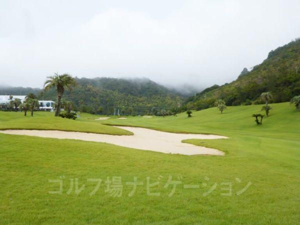 Kochi黒潮カントリークラブ 太平洋コース 9番ホール フェアウェイ バンカー