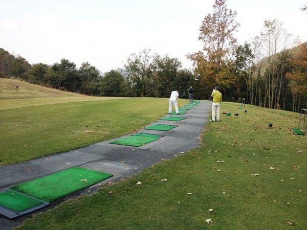 パインレークゴルフクラブ ドライビングレンジ